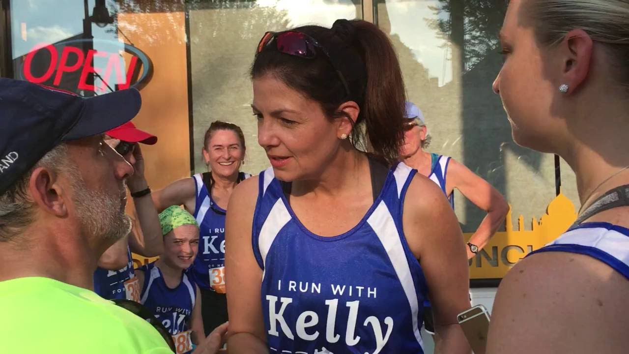 PFAW Members Catch Up to Kelly Ayotte in Manchester 5K to Ask if She Trusts Donald Trump to Fill Supreme Court Vacancy